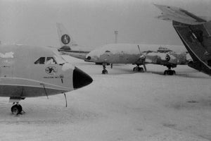 Court Line BAC 111 G-AXMF stranded in snow with Britannia Airways   - 6 x 4 Print OU018