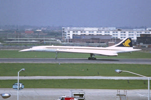 Singapore Airlines / BA Concorde G-BOAB Heathrow -  6 x 4 Print SQ002