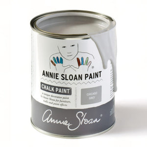 A litre of Chalk Paint® by Annie Sloan ™ in Chicago Grey