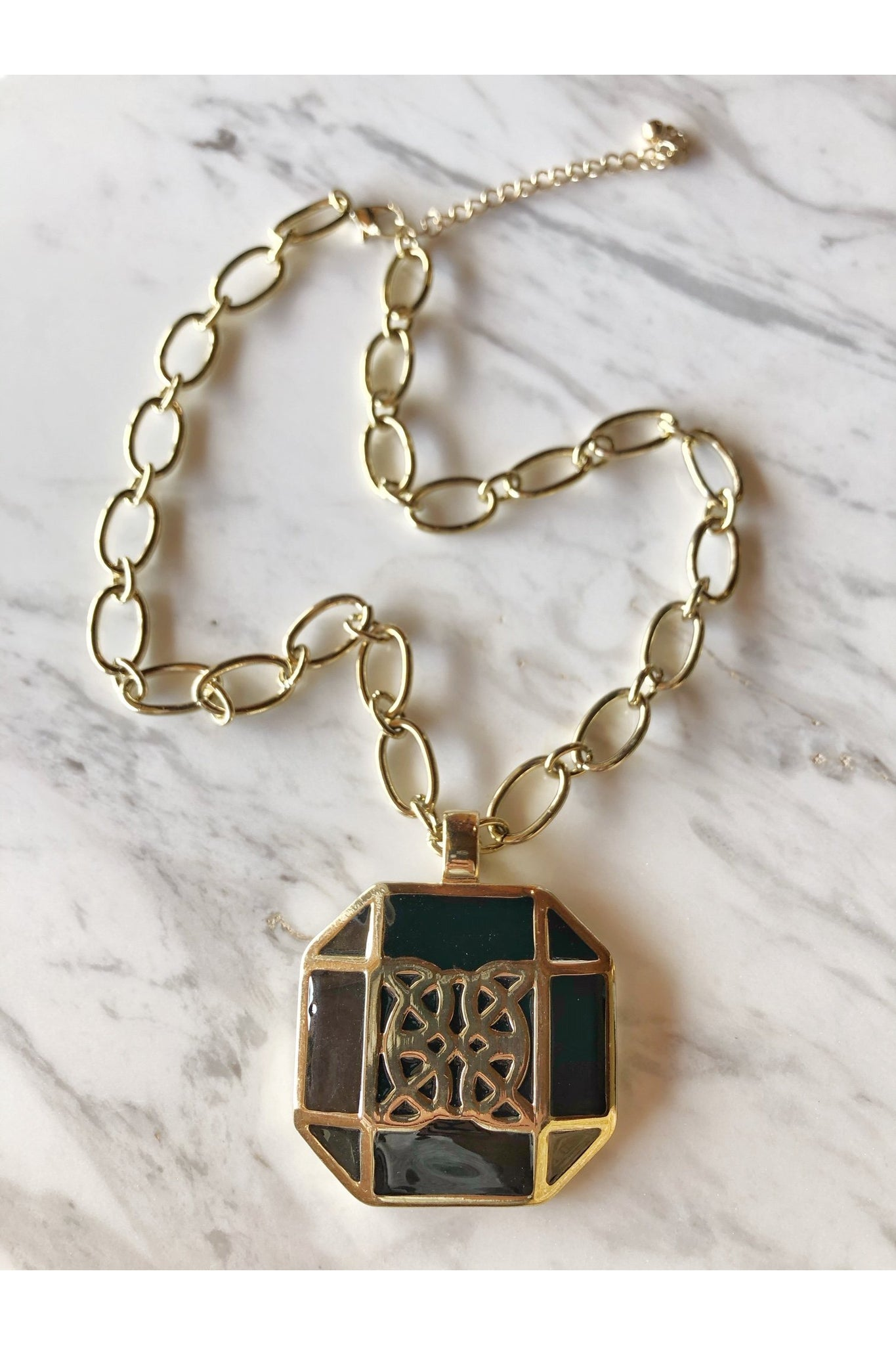 WINSLET PENDANT NECKLACE