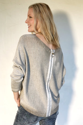 SILVER COLT SWEATER