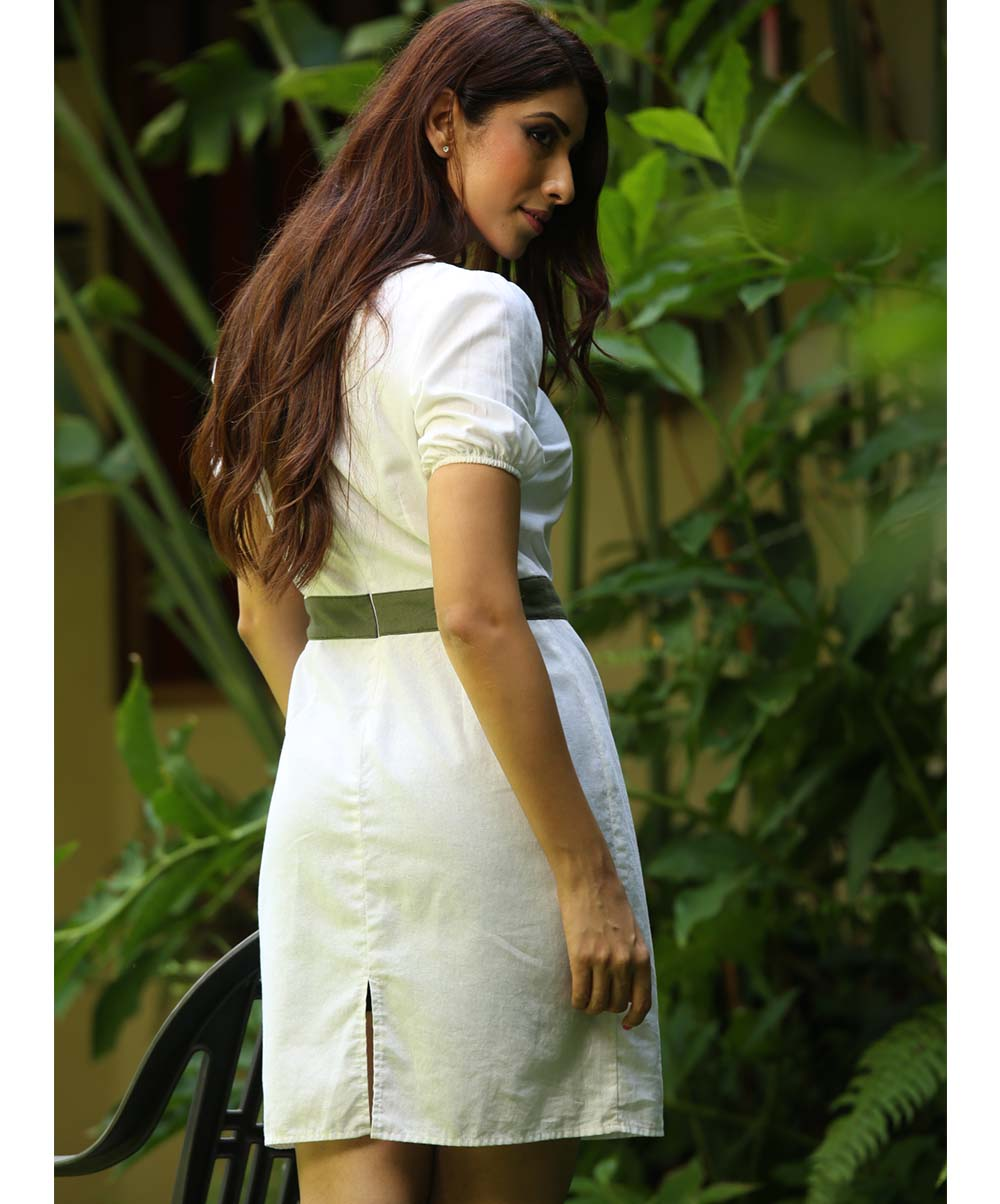 White Shift Buttoned Detailed Dress
