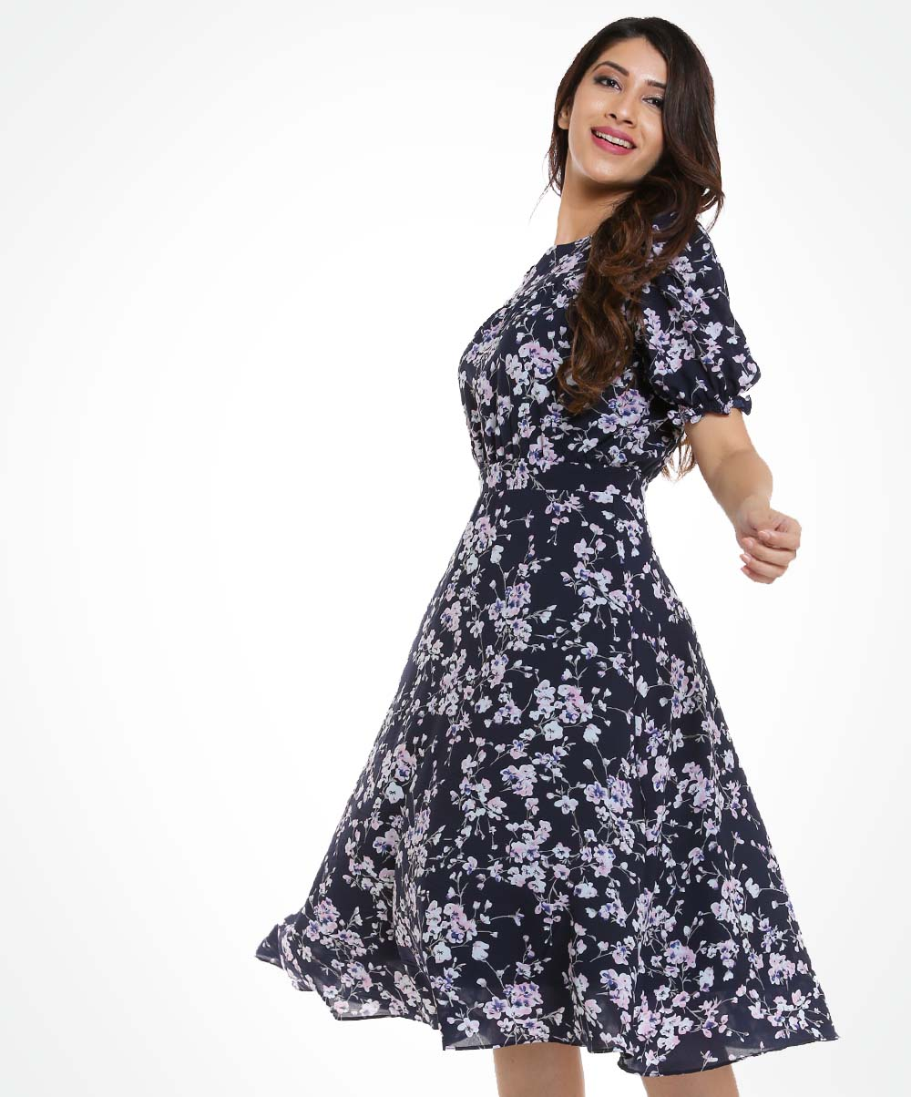 Black Base Micro Floral Puff Sleeved Dress