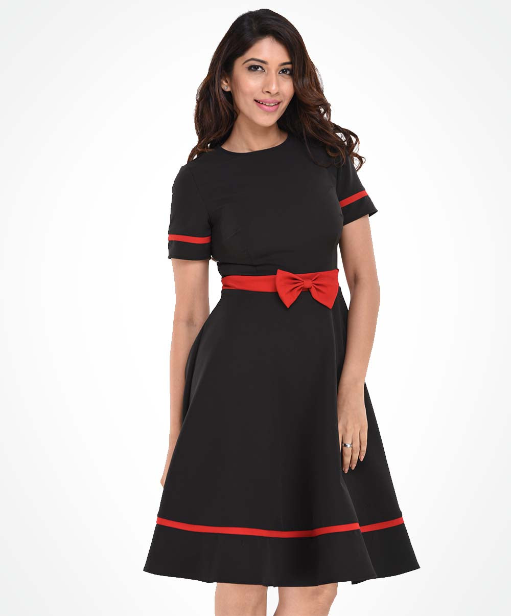 Black & Red Bow Detailed Dress