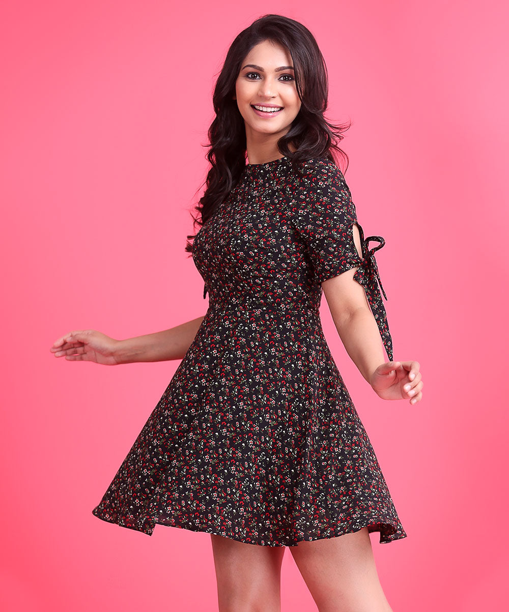 Black Printed Sleeve Tie Up Dress