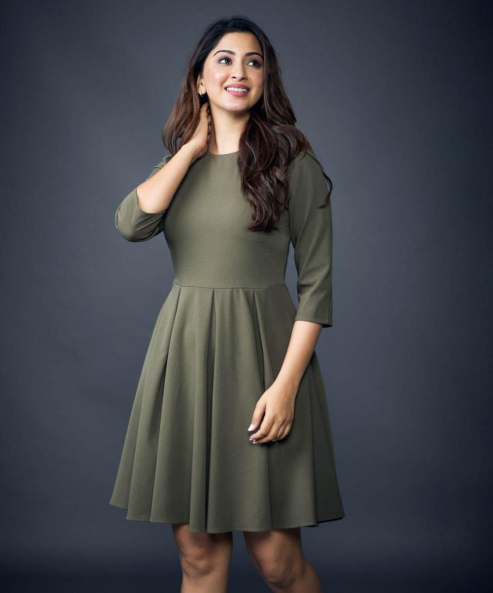 Crew Neck Pleated Dress