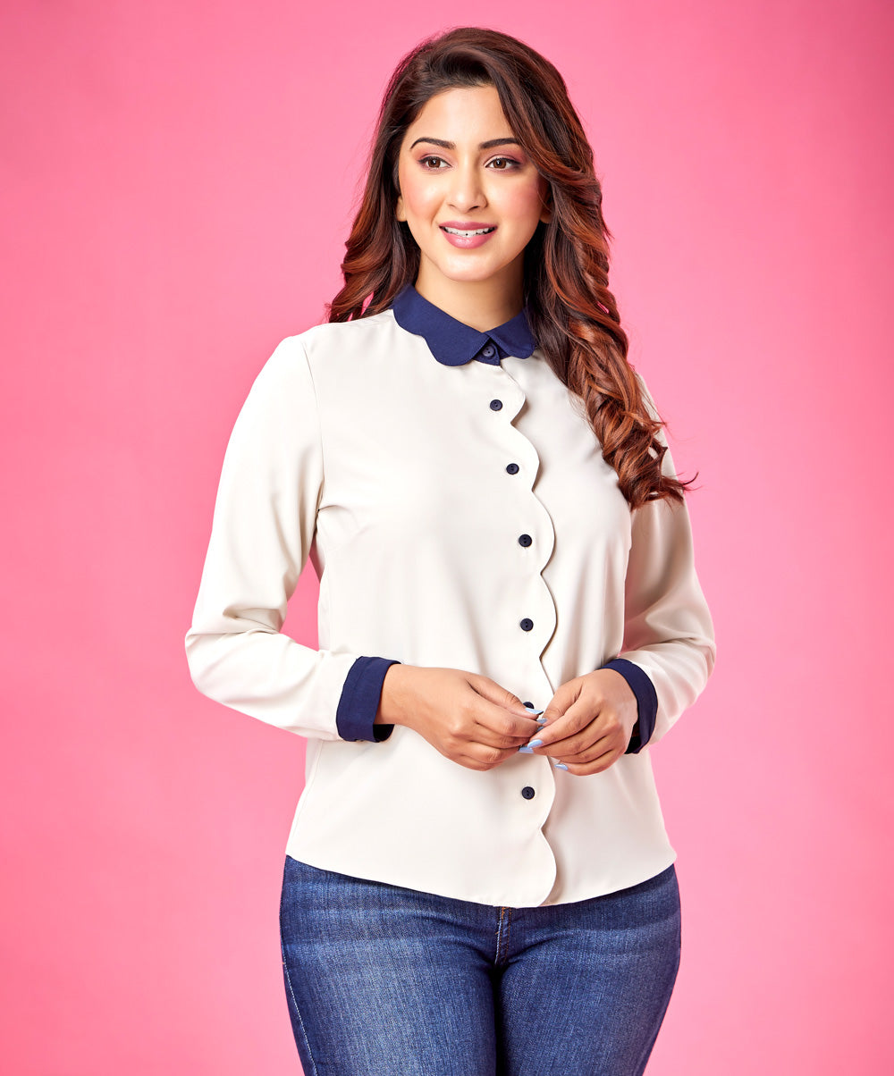 Contrast Scalloped Collar Top