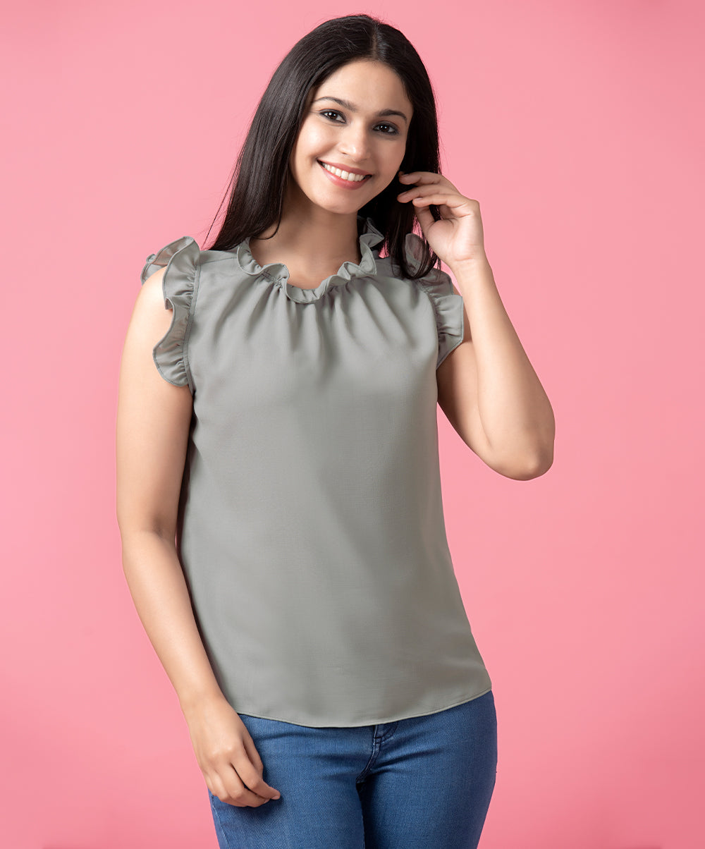 Sleeveless Frilled Attach top