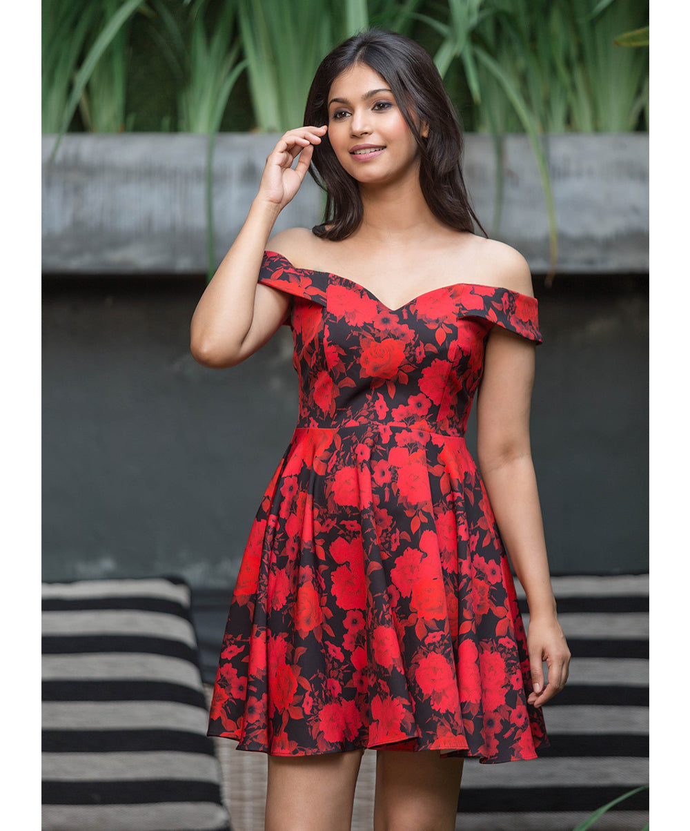 Evia Red Printed Floral Midi Dress