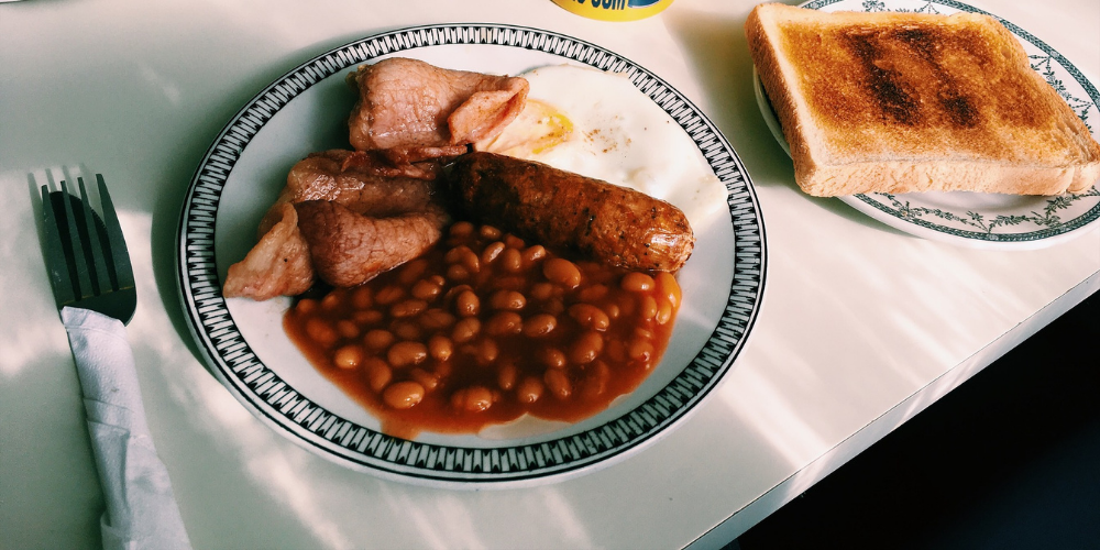 THE BEST FOOD TO EAT AROUND ENGLAND