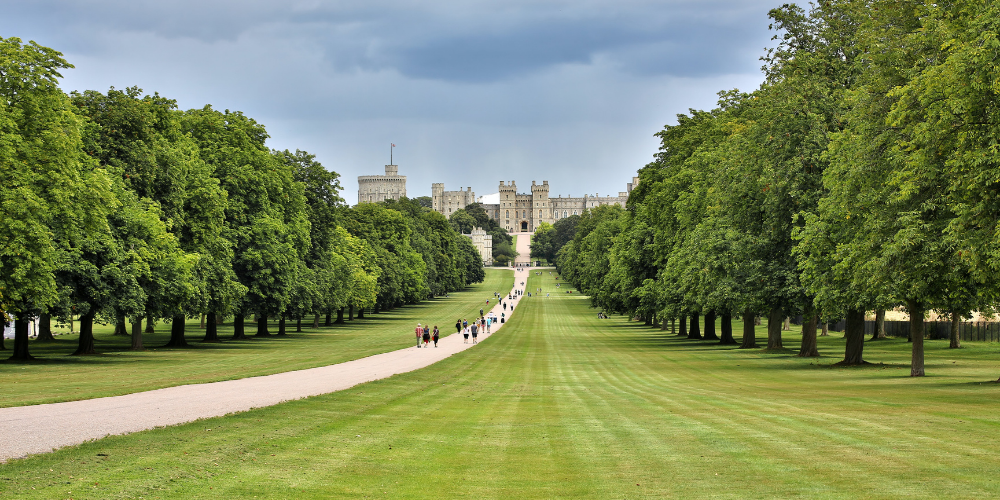 8 DAY TRIPS WITHIN 1 HOUR OF LONDON