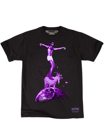 Los Angeles Lakers Kareem Abdul-Jabbar On Top of the World T-Shirt