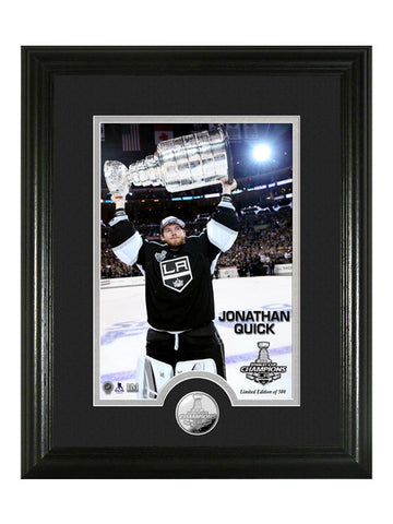Los Angeles Kings Jonathan Quick Hoist The Cup Photomint