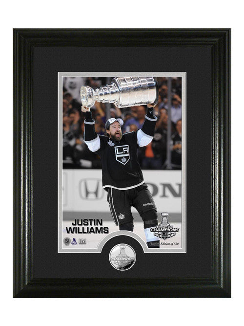 Los Angeles Kings Justin Williams Hoist The Cup Photomint