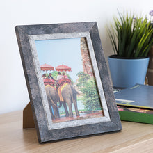 Load image into Gallery viewer, Photo frame Effect (13 x 18 cm)
