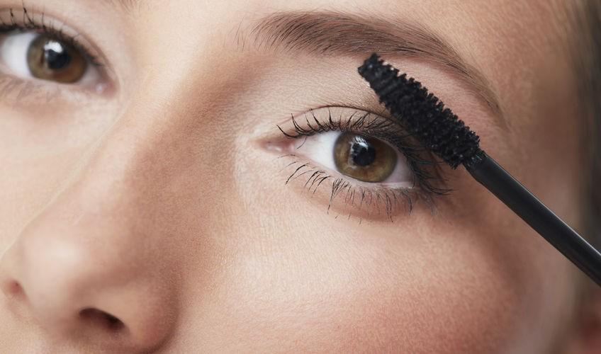 Best Tips For Applying Mascara | Beth Bender Beauty