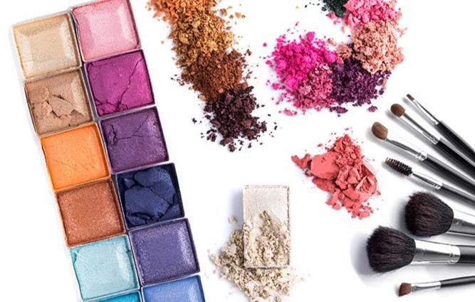 The Difference Between Eyeshadow Textures | Beth Bender Beauty