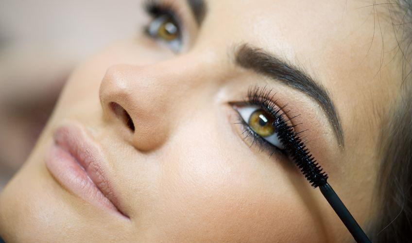 These Eye Makeup Tricks Will Instantly Make Your Eyes Bigger | Beth Bender Beauty
