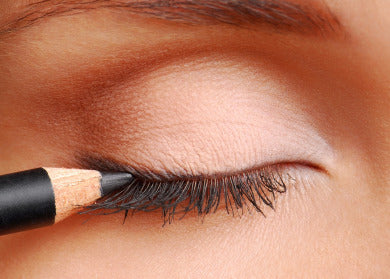 how to apply top eyeliner