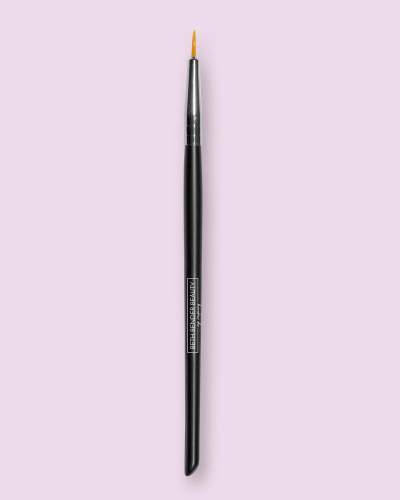 Deluxe Pointed Eyeliner
