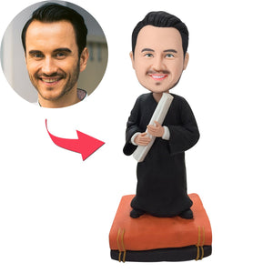 AU Sales-Custom Male Graduate With Books Bobbleheads