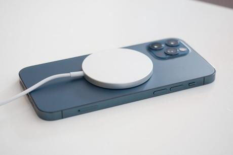 Magsafe Magnetic  Wireless Charging Suit for iPhone12