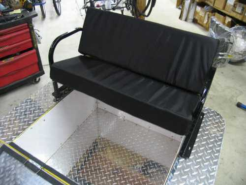 The combined cargo box and child seat.