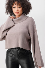 Load image into Gallery viewer, BEST SELLER louise cropped sweater (2 colors)