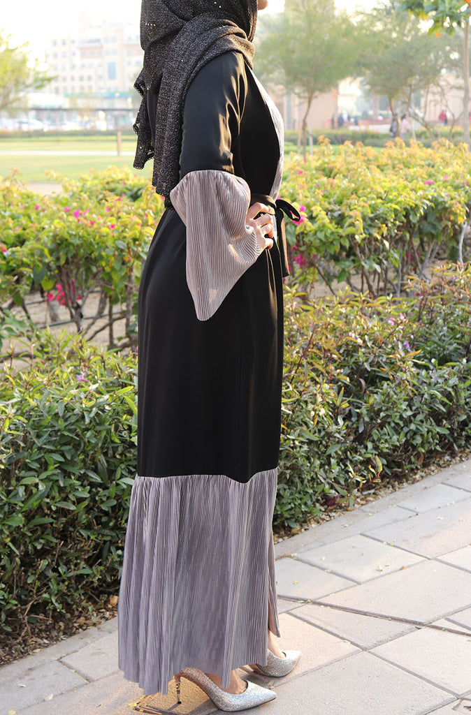 Silver Pleated Black Open Abaya