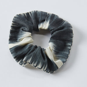 black anna scrunchie - maas by slightly east