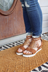 Glowing Wedge Sandal in Cognac Suede