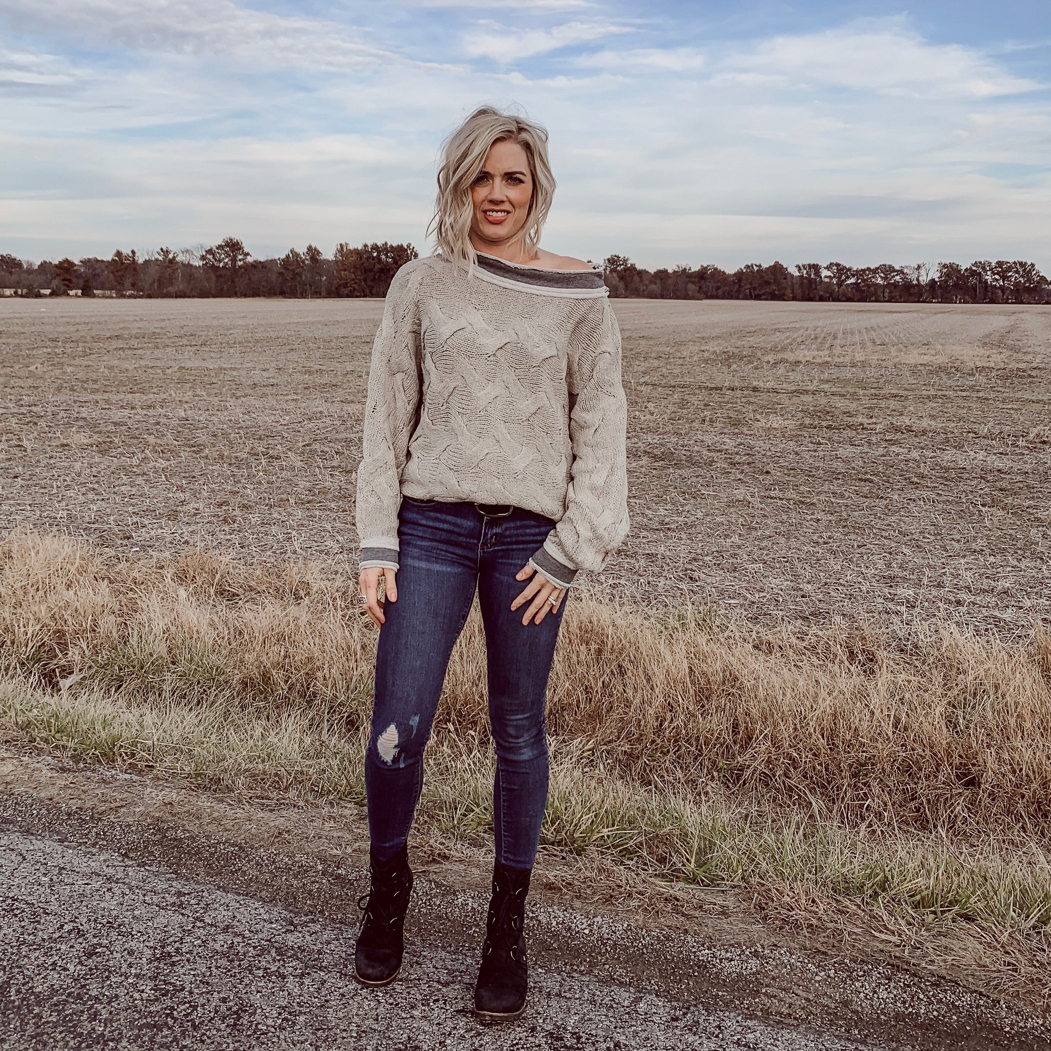 Boulder Contrast Sweater in Taupe