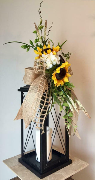 """SUNFLOWER GARDEN"" (Natural Burlap) - Farmhouse Chic Lantern Swag"