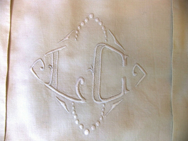 Bed Linen Embroidered Hand with Returns - Sheet 2m08 x 3m05 +2 Pillowcases