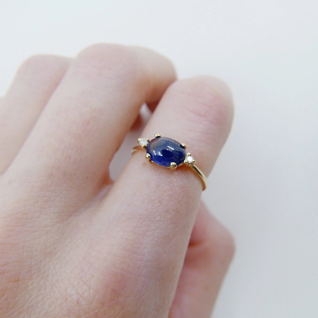 SALE! Oval Sapphire ring, three stone ring, sapphire and diamond ring, 14k gold sapphire ring, sapphire cabochon