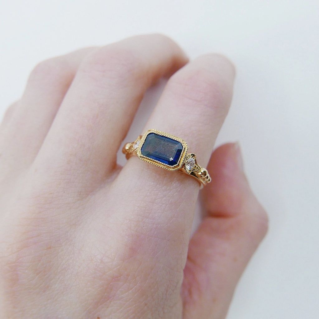 Anessa Sapphire Ring, 18k Sapphire ring with diamonds, Blue sapphire ring, Big sapphire statement ring, 18k gold ring, sapphire and diamonds