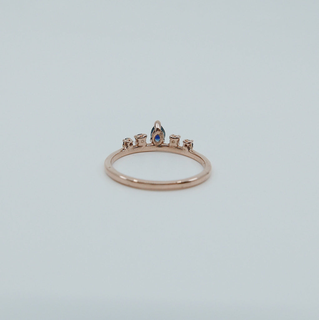 Reine Sapphire Ring, Queen ring, Royal ring, stacking ring, crown ring, princess ring, tiara ring, engagement ring, sapphire ring