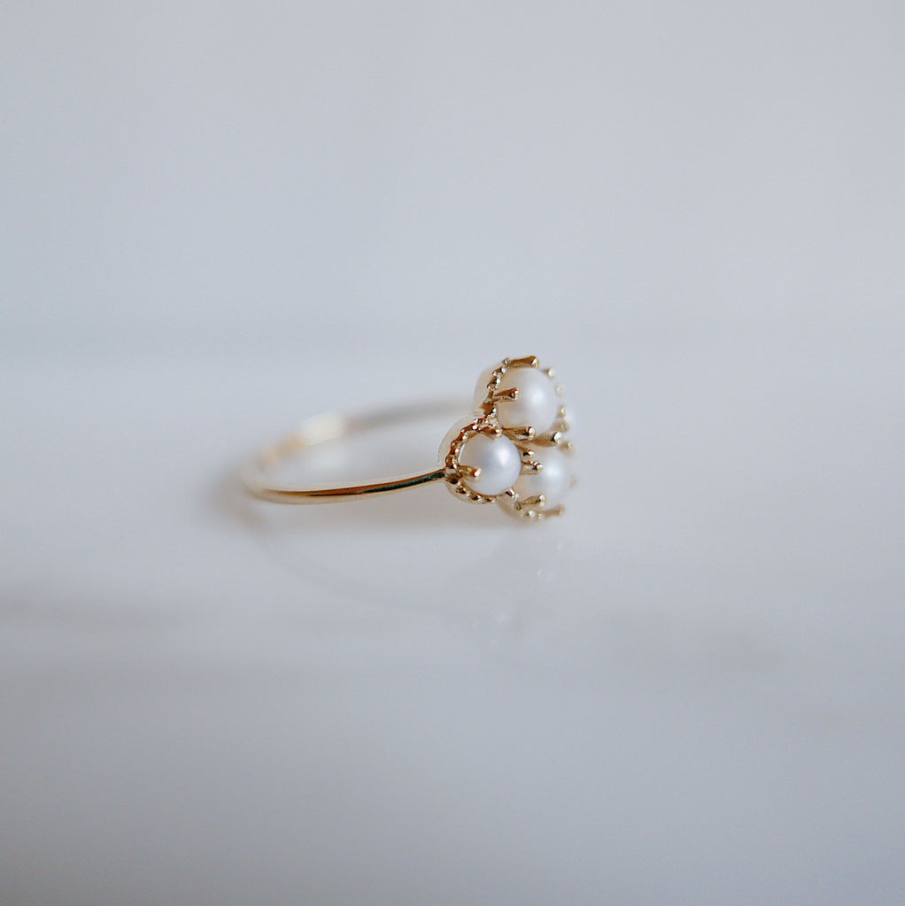Miss Lady Pearl Ring, Pearl Stacking ring, pearl ring, Pearl cluster band, small pearl ring, gold pearl band, dainty pearl ring