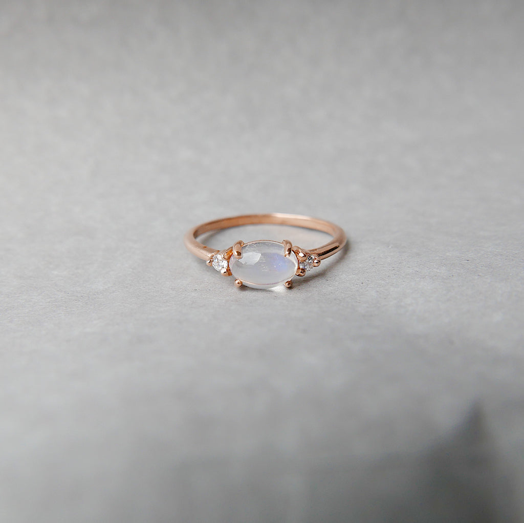 Oval Moonstone Ring 2.0