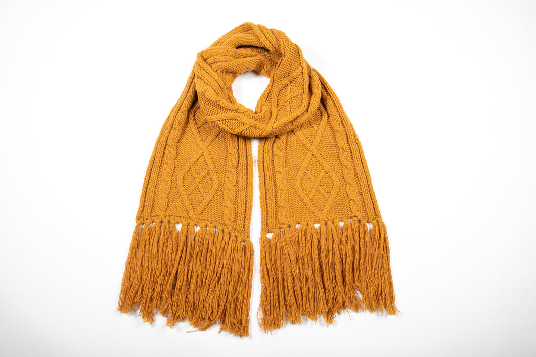 BETTY BASICS - LUNAR CABLE KNIT SCARF