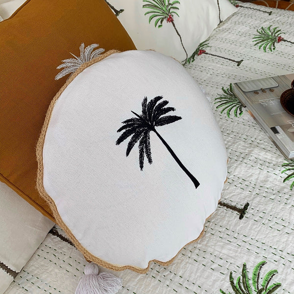 Rope round palm tree cushion