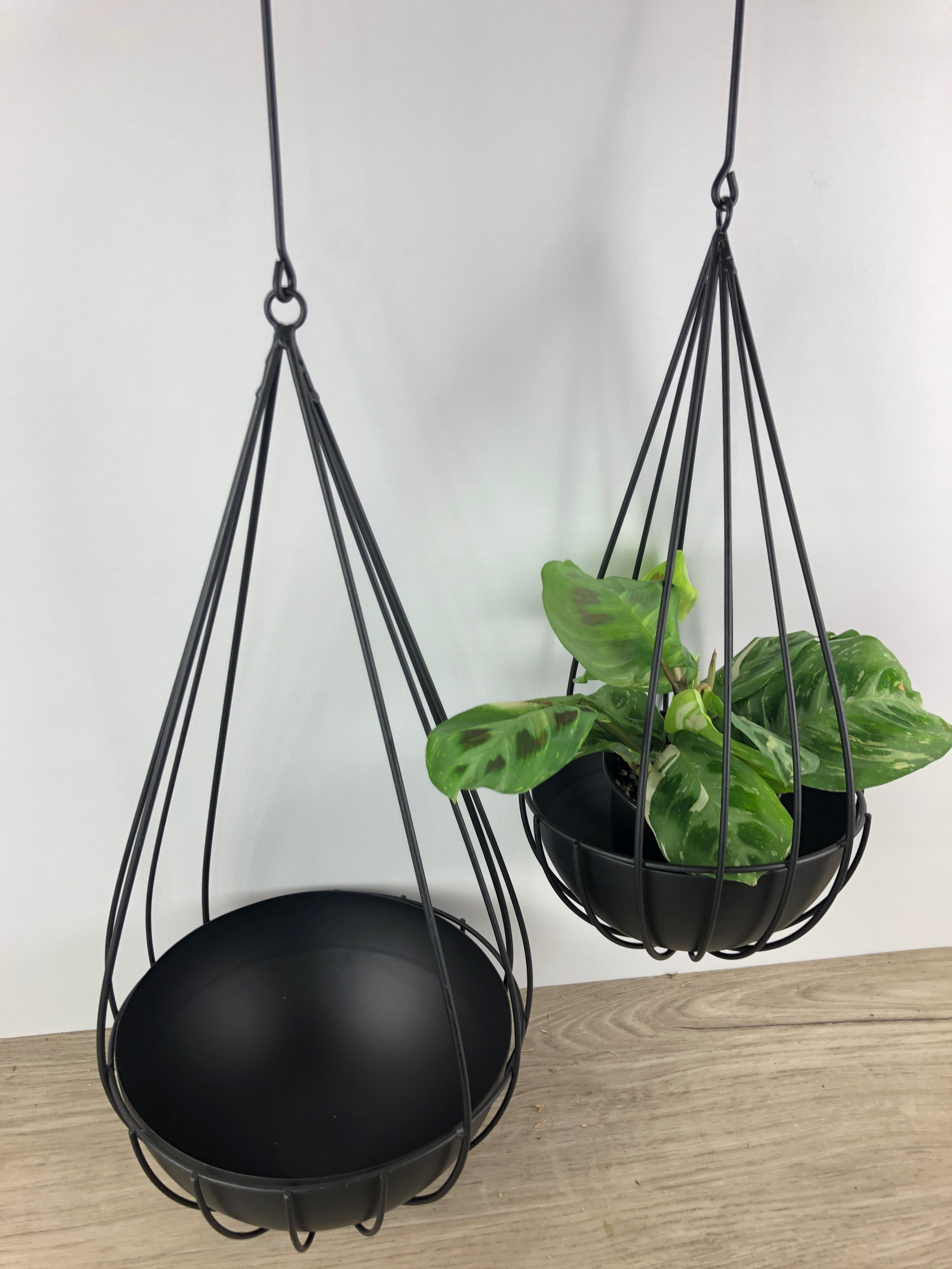 Teardrop Metal Hanging Pot