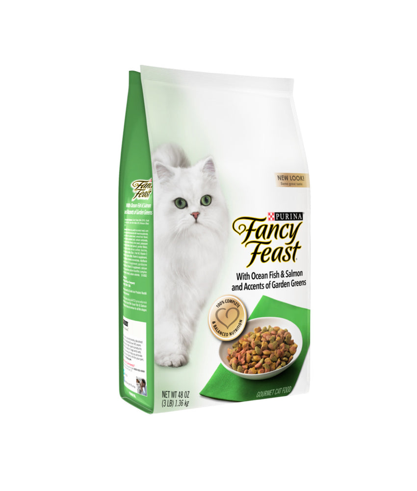 Fancy Feast with Ocean Fish & Salmon and Accents of Garden Greens (1.36kg)