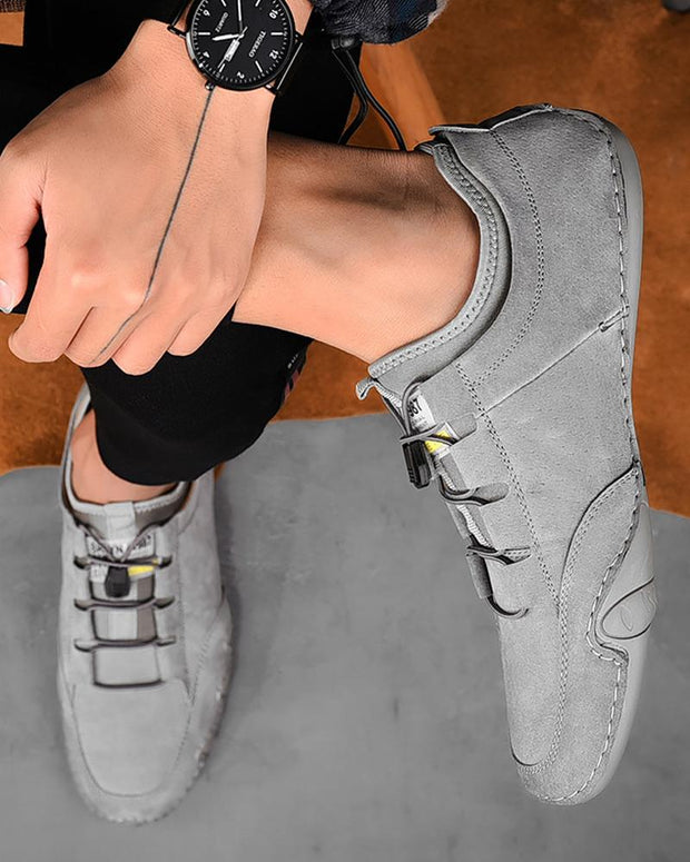 Lace-up Solid Color Round-toe Sneakers