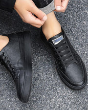 Solid Round-toe Flat Lace-up Sneaker