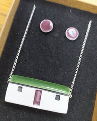 Ceramic necklace & stud earrings set – Scottish bothy (2 roof colours available)