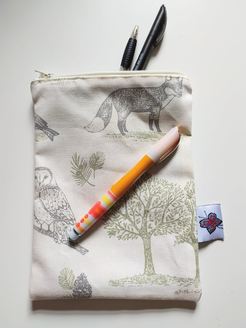 Cotton zipped pouch - Forest Animals/Natural