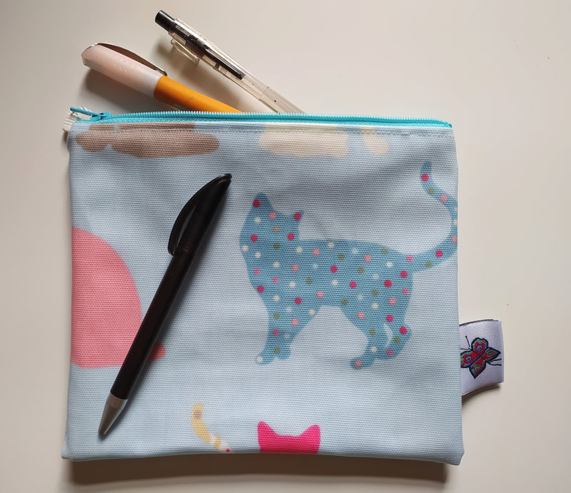 PVC zipped pouch - cats/blue