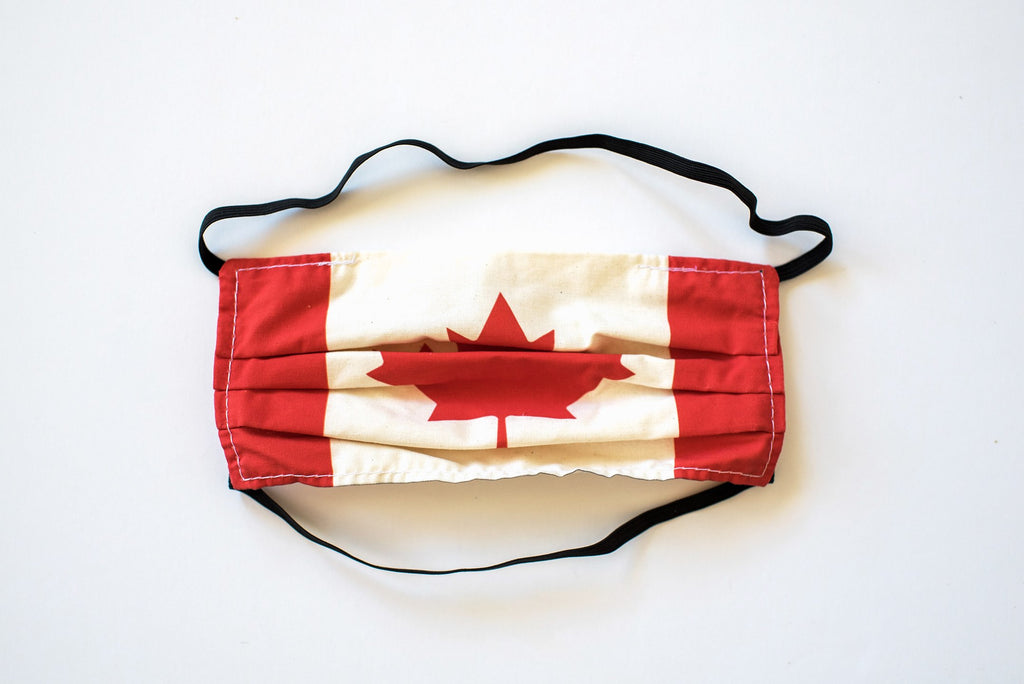 Pleated Canada Flag - Maskcott