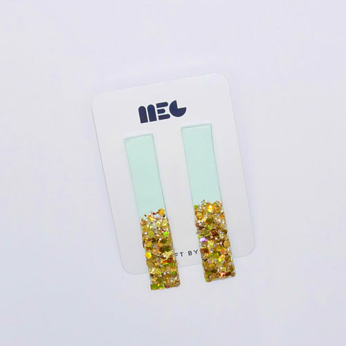 LONG TURQ GLITTER DIPPED BAR STUD